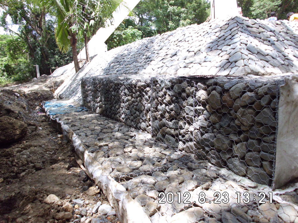 gabion & ripraps along west side of pyramid
