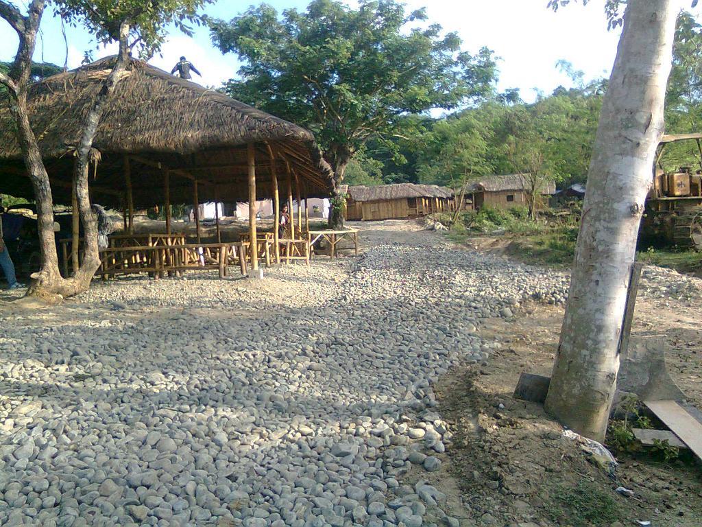 Entance & restaurant
